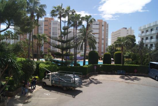 Hotel Oleander : Blick vom Balkon zum Swimmingpool