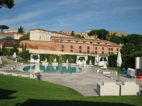 Piscina picture of gran melia rome rome tripadvisor for Rome gran melia hotel
