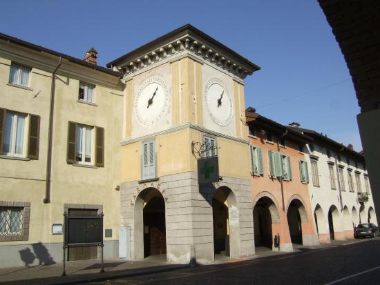 Martinengo, Italie : tra i portici