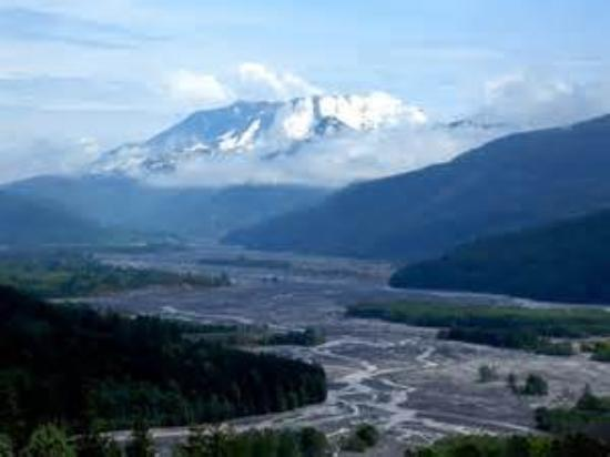 Spirit Lake Memorial Highway: View of THE mountain and Toutle River valley