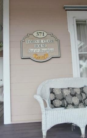 Bird House Inn and Gardens: History