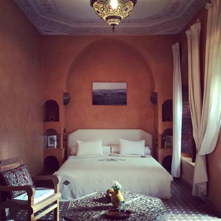 salon coin cheminée - Picture of Riad Jardin Secret, Marrakech ...
