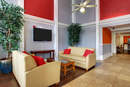 Remarkable Lobby Sitting Area Picture Of Centerstone Inn Suites Download Free Architecture Designs Jebrpmadebymaigaardcom