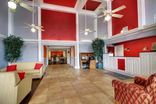 Tremendous Lobby Picture Of Centerstone Inn Suites Tuscaloosa Home Interior And Landscaping Synyenasavecom