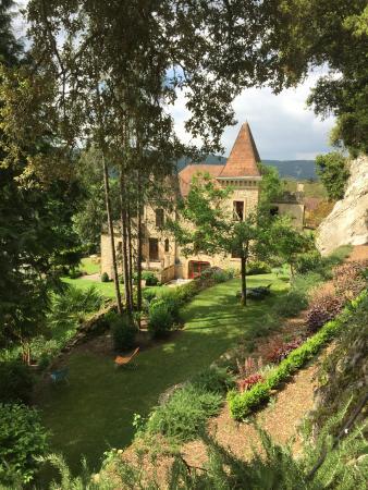 Manoir de la Malartrie : Vue d'une des terrasses du jardin.