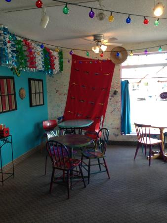 The Taco Bar : A quaint, fun and funky atmosphere