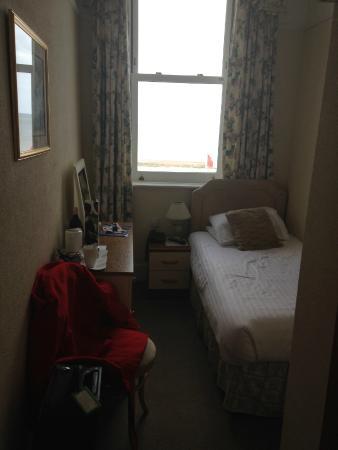 St. Kilda Hotel: Room 217