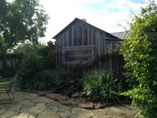 Murski Homestead B&B: bathhouse