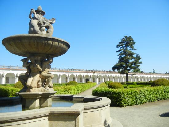 Gardens and Castle at Kromeriz: Collonade over Tritons Fountain