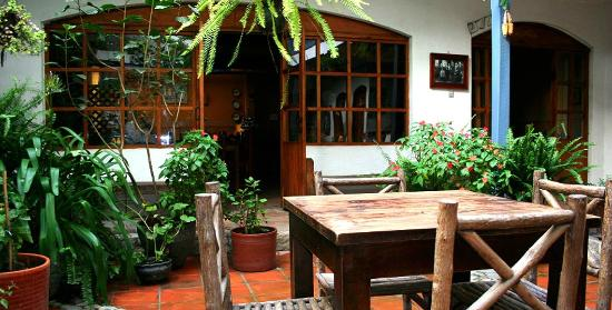 Hostal Dona Esther: inner garden