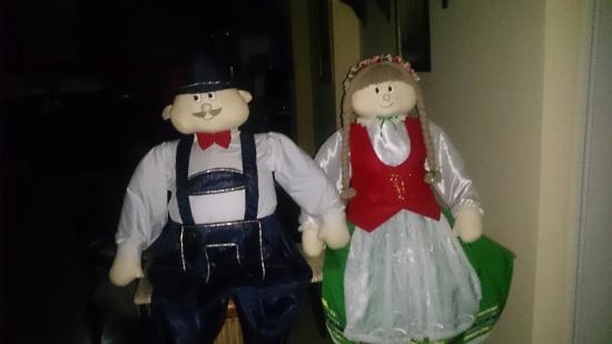 Pousada Castelo Hanisch : Ah esses bonequinhos. São tão lindos.