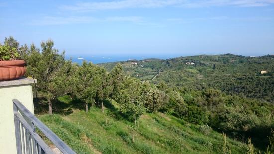 Arpaderba B&B : Vista mare dalla terrazza
