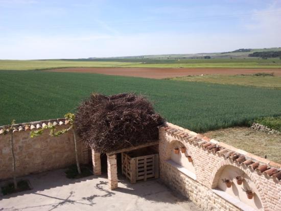 Cubillas de Santa Marta, España: the rolling hills west of my room