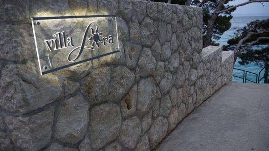 Villa Paulina: villa lora
