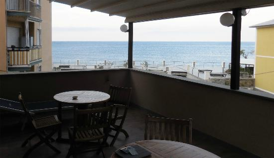 Albergo La Marina : The view of the Med from the third floor terrace