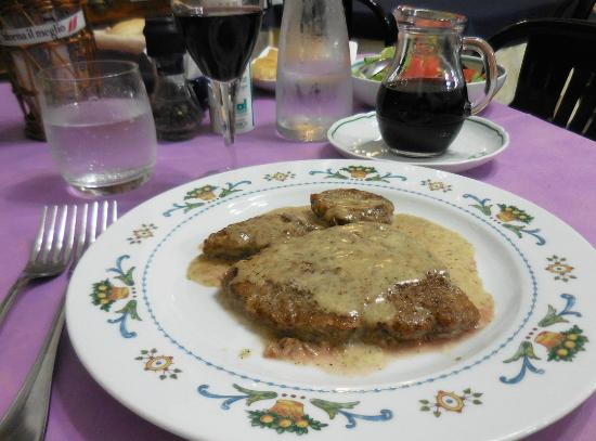Albergo La Marina : Anna's peppered veal...to die for!