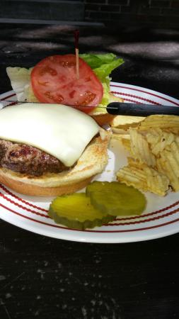 Raquette Lake Tap Room & Hotel: Great burgers at great prices