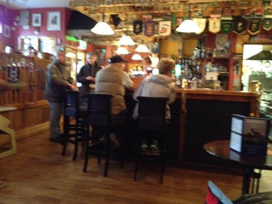 Danno's Bar & Restaurant: Danno's bar
