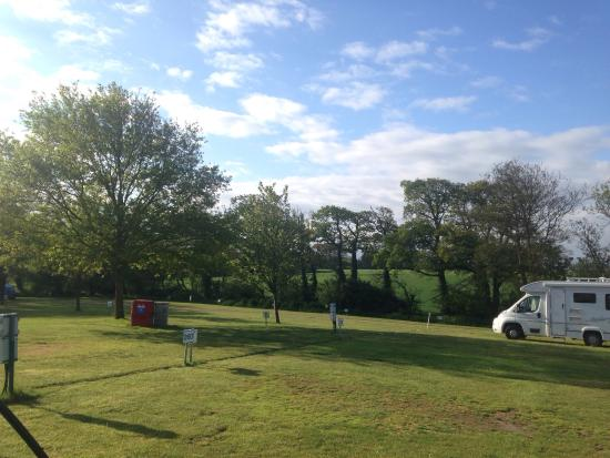 Lytton Lawn Touring Park: Tranquil, well-serviced family campsite
