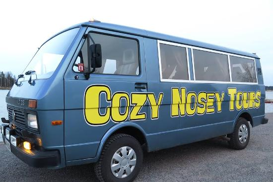 ‪Cozy Nosey Tours‬
