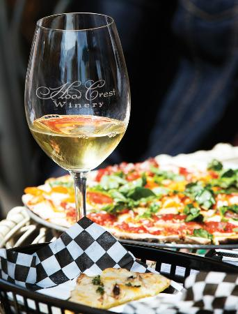 Hood River, Oregón: White wine and a homemade pizza