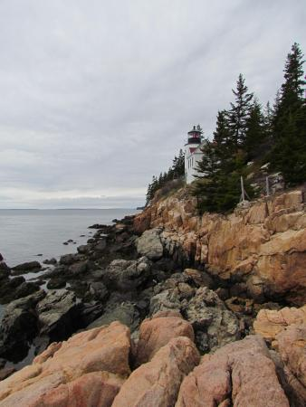 Bass Harbor Campground: Bass Harbor Head Light from the rocks
