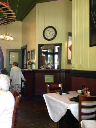 D & R Depot Restaurant: Depot interior in original colours