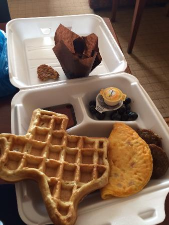 Homewood Suites by Hilton Denton: Texas-shaped waffle for breakfast!