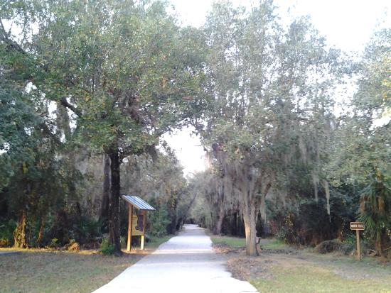 Arcadia, FL: Paved trail
