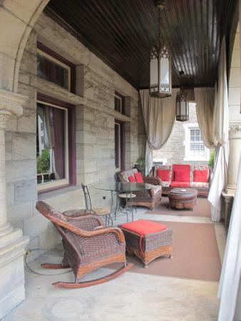 Inn on the Mexican War Streets: Love the front porch for gathering.