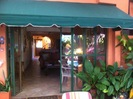 Morrison Hotel de la Escalon: Ingreso al aéra del corredor (viniendo de la piscina - restaurante)
