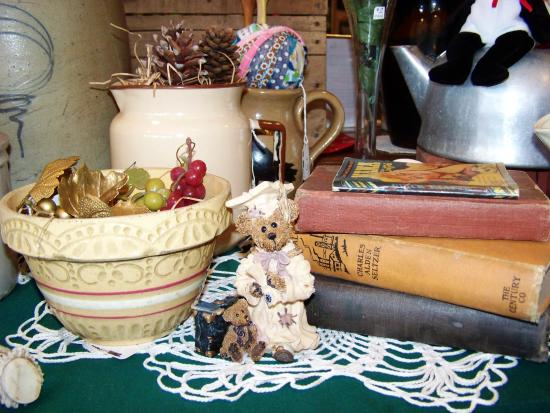 The Rocking Chair, Antiques, Decor & Gifts