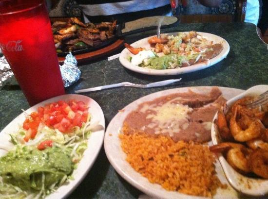 Casa Fiesta Mexican Restaurant Horchata Camarones Mojo De Ajo Fajita