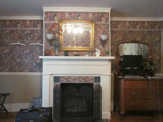 Oak Hill Country Inn : Topaz room