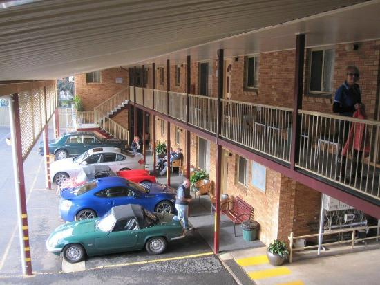 Tallarook Motor Inn: Car Parking