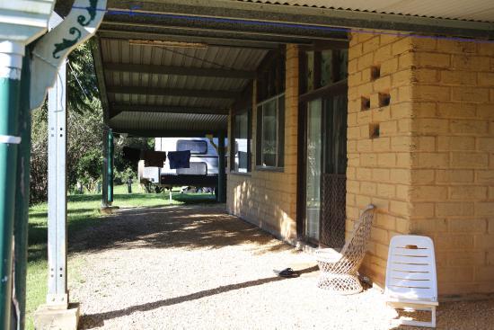 Brierfield, Australia: Duplex 2 bedroom cottage