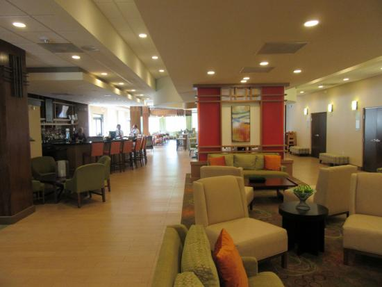 Holiday Inn Greensboro Airport: Lobby