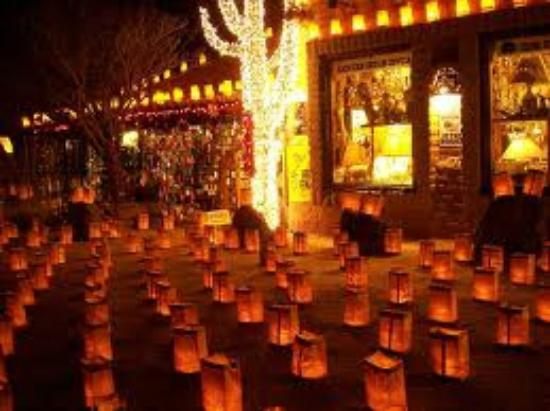 Chuparosa Inn Bed and Breakfast: LUMINARIAS NEAR THE CHUPAROSA INN BED & BREAKFAST