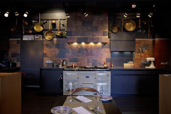 EM Restaurant