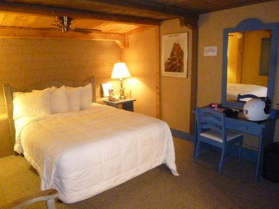 Chama Trails Inn (Trail's End): Guest room