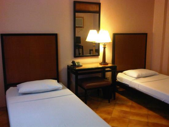 Hotel Alejandro: Beds