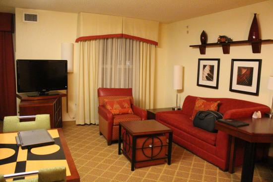Residence Inn Roanoke Airport: Living room