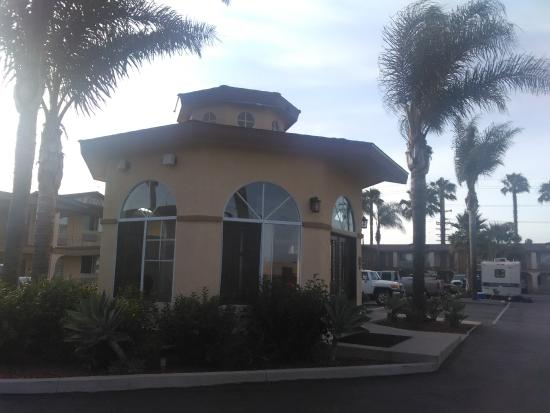 BEST WESTERN Oxnard Inn: fitness center / guest laundry