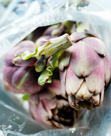 The Burlesque Cafe: artichoke special ready for prep