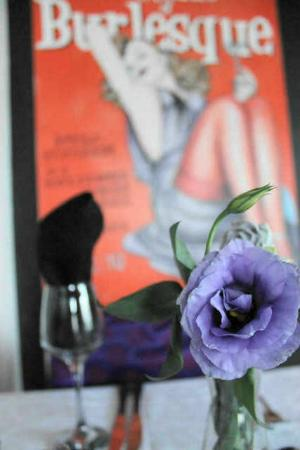 The Burlesque Cafe: fresh flowers