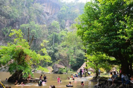 ชาติตระการ, ไทย: the area where you can sit down and relax