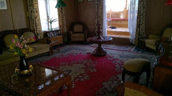 Dastan Houseboat: Kings Rose Boat House - Hall