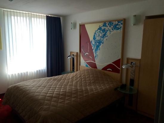 Hotel Arina: Hotelzimmer ( Doppelbett)