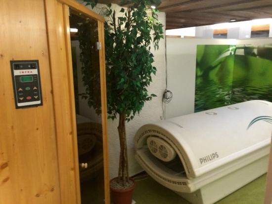 Hotel Arina: Sonnenbank und Sauna