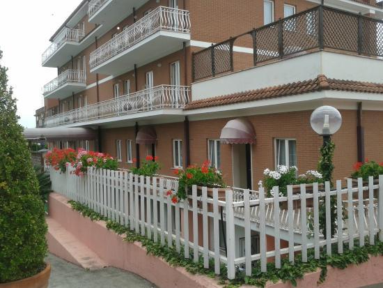 Marini Park Hotel: Esterno posteriore